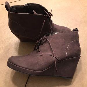 Diane von Frustenburg heel boots